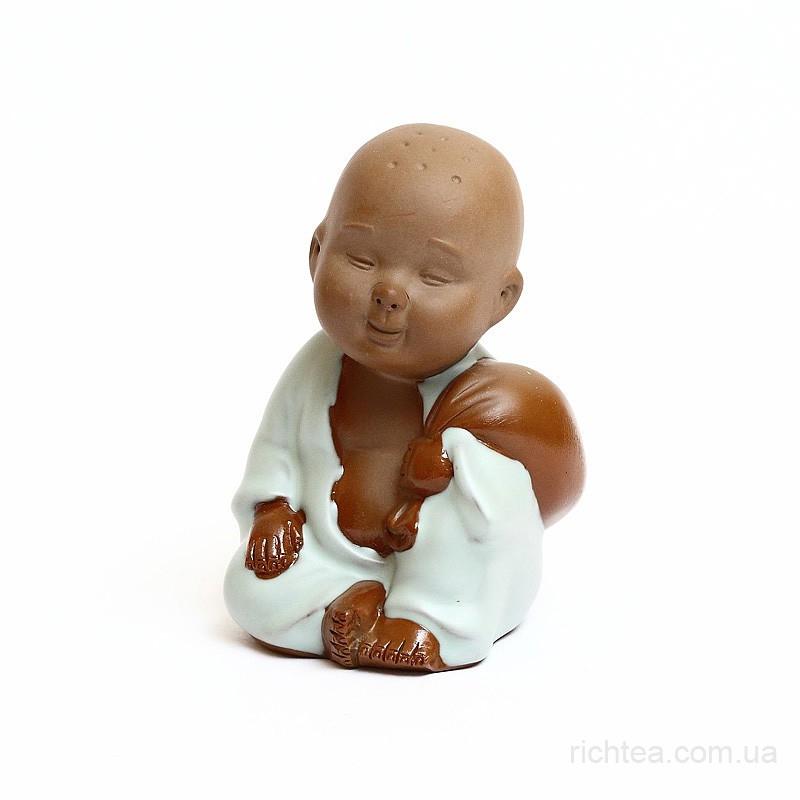 """Фигурка глиняная """"Мальчик с мешочком"""""""